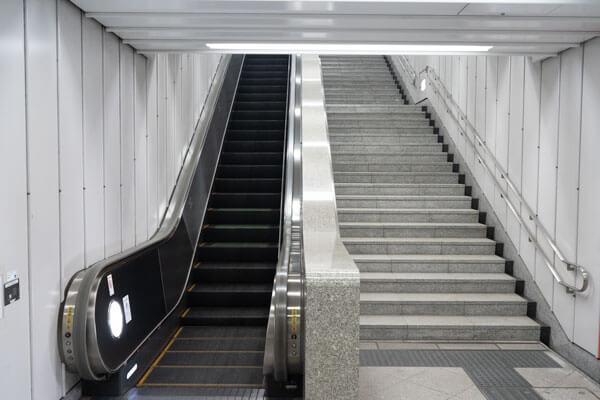 ヒルトン東京アクセス 都庁前駅から3